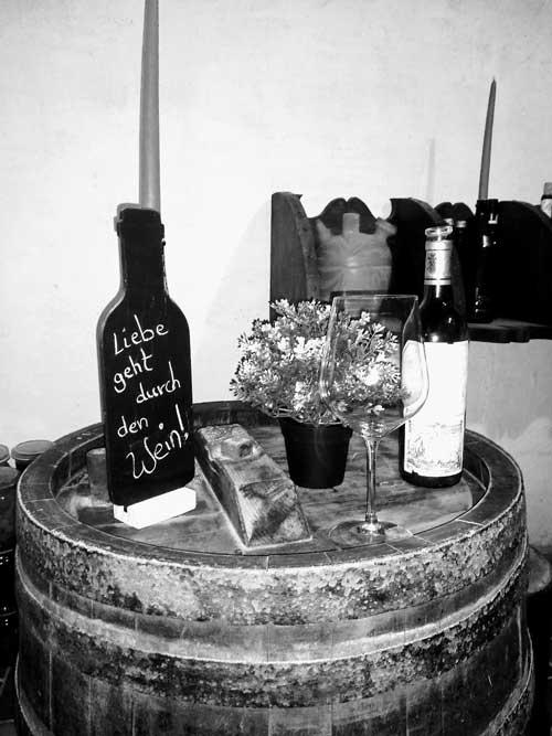 Weinproben im Weinkeller Bed & Wine in der Ferienwohnung in Hessigheim