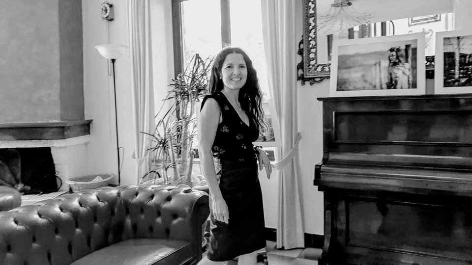 Isabel Gil im Klavierraum